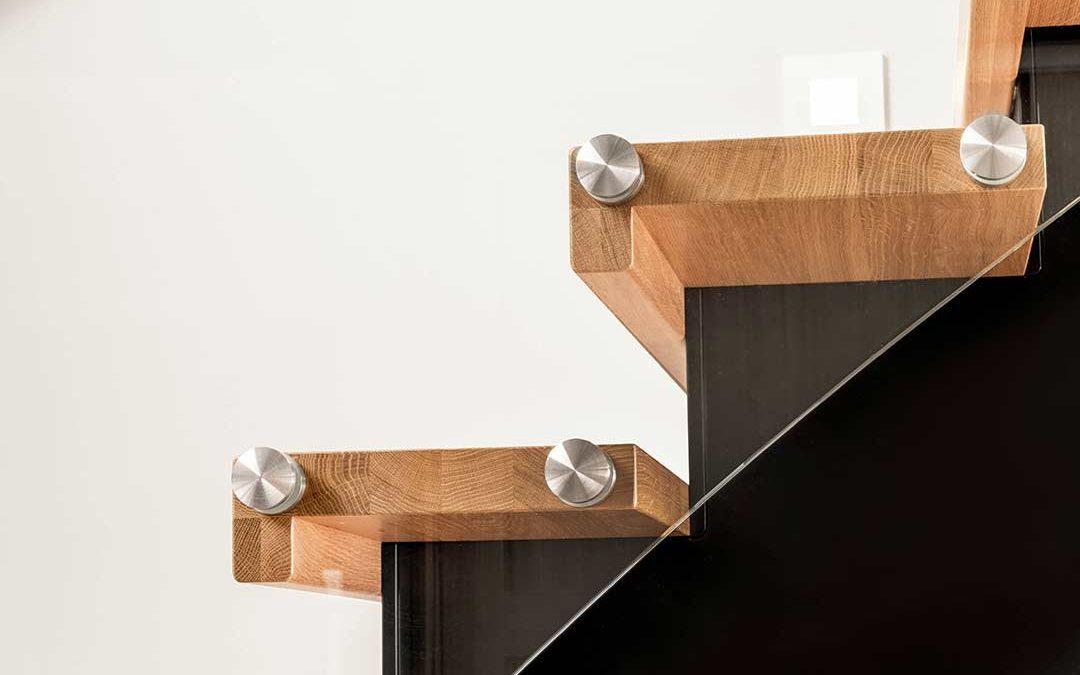 Kan du hjelpe oss å skape kundeopplevelsen DU ønsker deg ved kjøp av trapp?